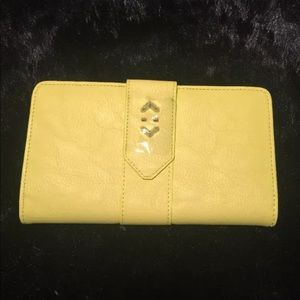 Stella and Dot Slim yellow Wallet